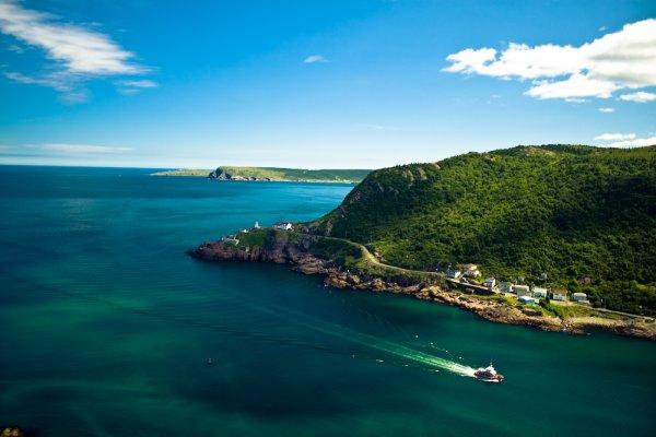 Dublin - St. John (Newfoundland)   261.44 EUR  Return mit Westjet, auch Sommerferien 2014.