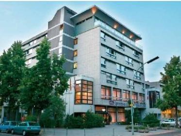3 Tage Berlin über Silvester, Zug ab Hamburg (4* Hotel + Zugtickets) für 154,49 EUR pro Person (Insgesamt 308,98 €)