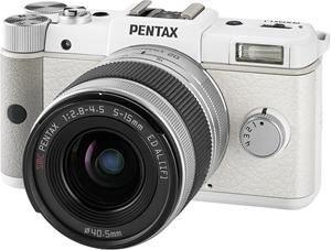 Pentax Q Systemkamera (12 Megapixel, 7,5 cm (3 Zoll) Display, Full HD Video, bildstabilisiert) Kit inkl. 5-15 mm Schwarz u. Weiß o.Vsk für 179 € @.fotoversand-afa.de