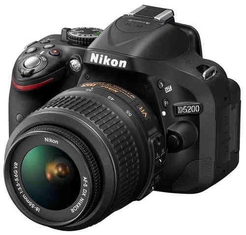DSLR NIKON D5200 Schwarz Kit 18-55 VR 523,50€ bei Vorkasse