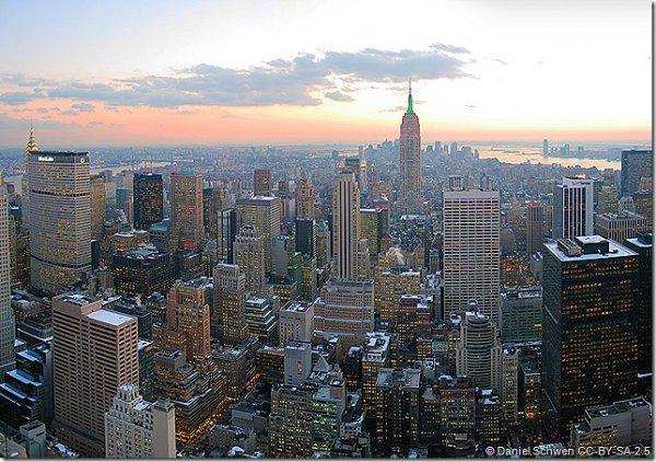 (Oster, Pfingst und Sommer-Ferien!!) Flug nach New York für 352 Euro