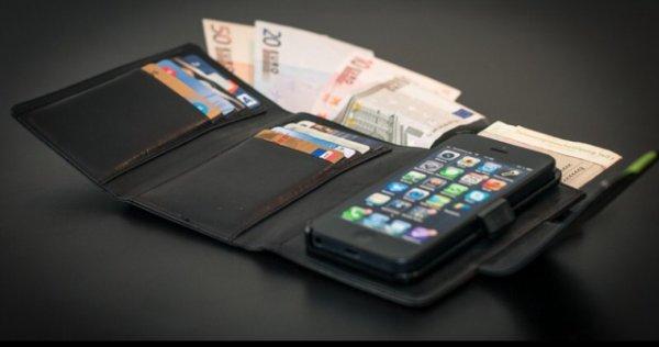 iPayz Leder-Geldbörse & Schutzhülle iPhone 5/5s für 29,99€ statt regulär 79,99€