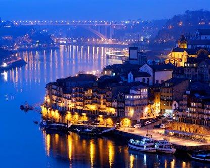 Samstags im Januar: Tagesausflug von Frankfurt-Hahn nach Porto (Flug + Transfer) für 49,60€ (Alternativ mit Übernachtung für 74,60 €)