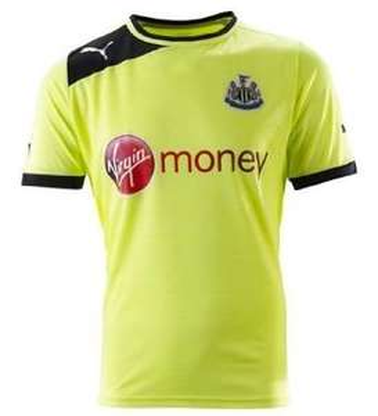 Newcastle Trikot Puma Trikot 10,95€ + 4,99€ Versand unter 60€