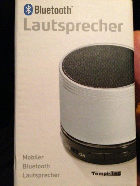 [Lokal Berlin] kleiner Bluetooth Lautsprecher für 10€ bei Aldi
