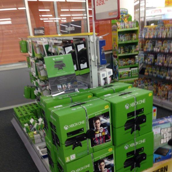 Xbox one lokal bei Medimax Kiel