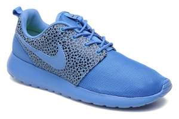 Nike Rosherun Premium in Blau, Gr. 40-46, EUR 60,80