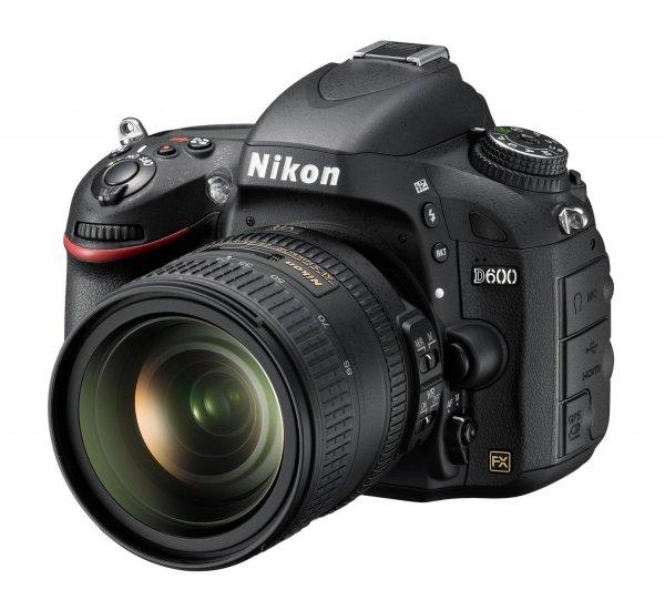 [Amazon.fr] Nikon D600 SLR-Digitalkamera (24,3 Megapixel, 8,1 cm (3,2 Zoll) Display, Full HD, Live View) Kit inkl. AF-S 24-85mm 1:3,5-4,5G ED VR schwarz inkl. Vsk für 1.680,93 €