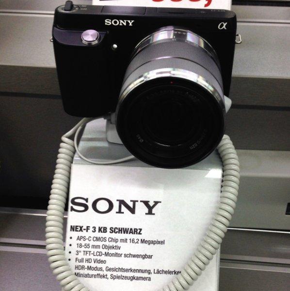 Sony NEX-F3KB Systemkamera (16 Megapixel, 7,5 cm (3 Zoll) Display, 3D Schwenkpanorama, Live View, Full-HD) Inkl. SEL 18-55mm Zoom-Objektiv schwarz