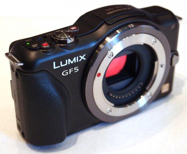 Panasonic DMC-GF5 + Holga Pinhole Objektiv