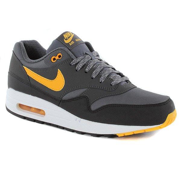 Nike Air Max in verschiedenen Farben @ Urban Industry ab 59,00 EUR