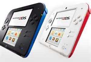[Toys R Us] Nintendo 2DS Konsole Schwarz/Blau oder Weiß/Rot + Pokémon Y/X + Pokémon Weiße Edition 2