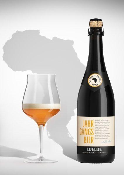 [Weldebräu Biershop] z.B. Jahrgangsbier Südafrika in der 0,75 l Champagnerflasche für 2,80 € inkl. Versand (Vgl.-Prs. 12,80 € / offline 8,99 €) - Ersparnis mindestens 68,85 % - Super zum Verschenken