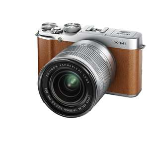 [Amazon.it] Fujifilm X-M1 kompakte Systemkamera (16 Megapixel, 7,6 cm (3 Zoll) LCD-Display, Full HD, WiFi) inkl. XC 16 - 50mm F3.5-5.6 OIS Objektiv silber für  545,91 inkl. Vsk