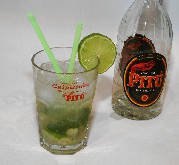 [real.-]  PITU Cachaca 0,7l für 7,99 für Caipirinhas! CAIPIS!! :D JETZT WIRD SOMMER! Weg mit dem Winter!