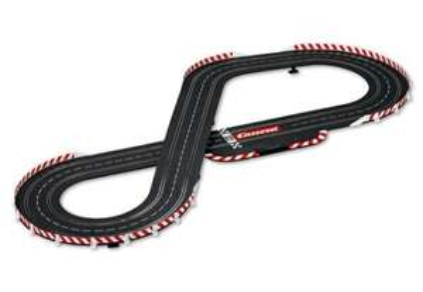 METRO-Lokal 57,12 Euro statt 99,00 Euro. CARRERA Evolution Le Mans Contest