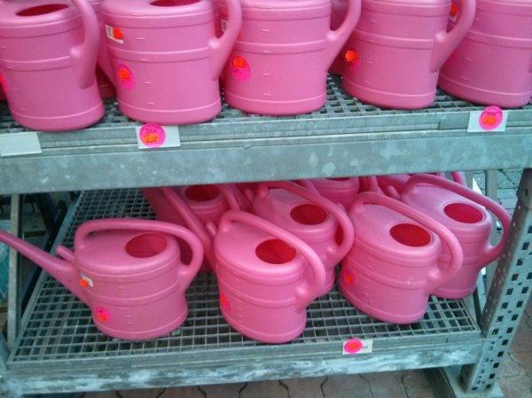 [lokal Kleve] Hagebau Blumentöpfe und Gießkannen im Räumungsverkauf