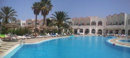 All inclusive / 7 Tage Tunesien (Insel Djerba) / im 3 Sterne Hotel (74% Weiterempfehlung) mit Flug für 135€ p.P.
