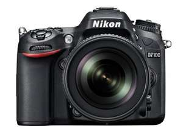 WHD Nikon D7100 SLR-Digitalkamera (24 Megapixel, 8 cm (3,2 Zoll) TFT-Monitor, Full-HD-Video) Kit inkl. AF-S DX 18-105 mm 1:3,5-5,6G ED VR Objektiv schwarz