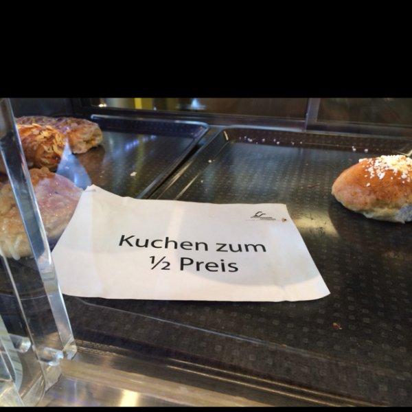 [Lokal Göttingen Mensa am Turm] Kuchen zum halben Preis