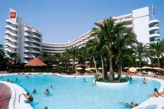 Reise: 1 Woche Gran Canaria (Flug, Transfer, 4* RIU Hotel, Zug zum Flug) im Juli 275,- € p.P. (Sommerferien NRW + HH)
