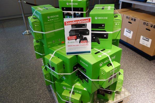 [ALTERNATE] (Lokal&Online) Microsoft Xbox One 500GB + Zusatz Controller!