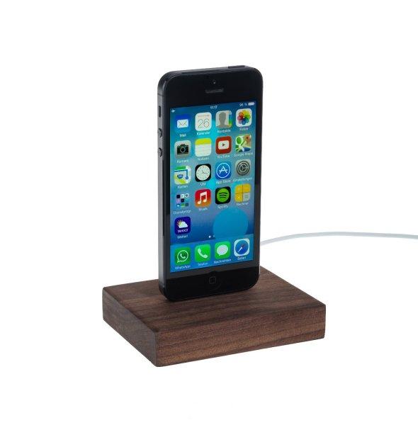 iPhone 5 s / c Dock aus Nussbaumholz (auch mit Hülle nutzbar) 29,95€ + 3€ Versand