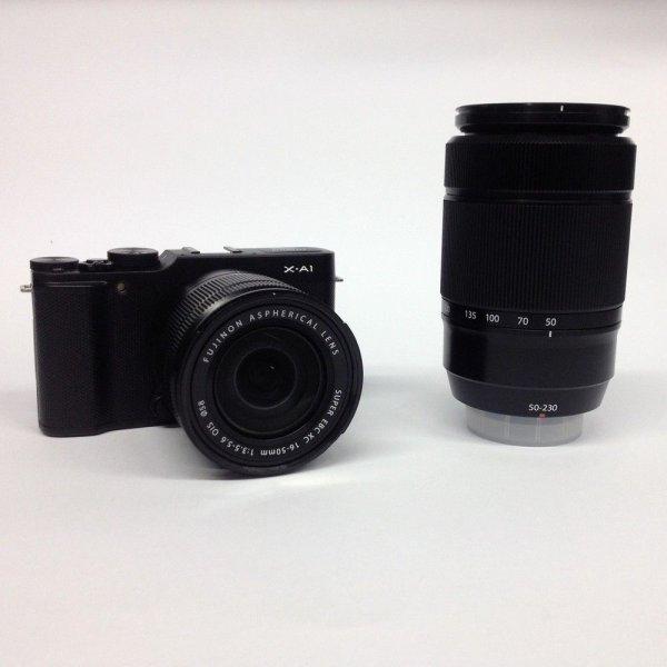 Fujifilm X-A1 Systemkamera mit 16-50 mm und 50-230 mm Objektiv Bundle – Neu