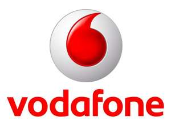 2 x Original Vodafone RED XS (zusammen Allnet + SMS Flat + 400 MB Datenvolumen) und 1 x iPhone 5s 16 GB zu 29,99 € / Monat.