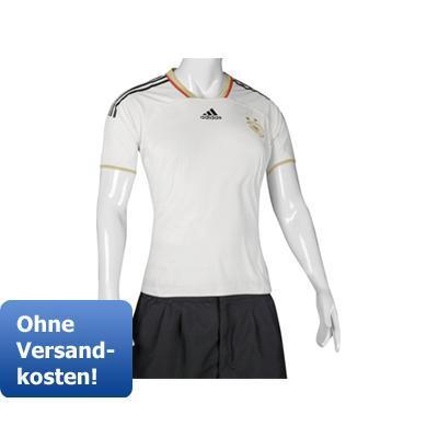 Adidas DFB Frauentrikots, Auswärtstrikots und Shorts