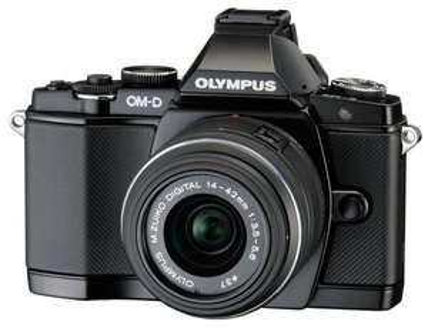 Olympus OM-D E-M5 Systemkamera + Objektiv M.Zuiko Digital ED 14-42 mm II R 1:3.5-5.6  @ Amazon.fr --- Nur 705€ ---