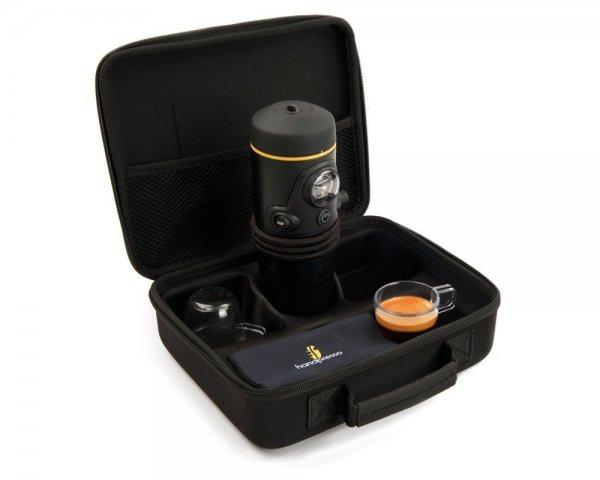 Handpresso Auto E.S.E 12V Premium Set mit Case und Tassen für 134€ — mobile Espressomaschine (Preisvergleich: 210€)
