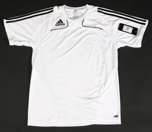Adidas Trofeo Trainings-Jersey (T-Shirt) ODER Trainings-Short (Hose) für jeweils 14,99 inklusive Versandkosten @ebay