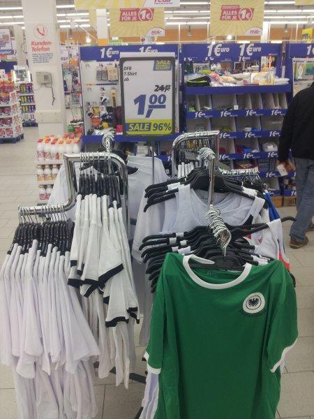 {REAL OFFLINE LÜBECK} Original DFB Fan Trikots 1€