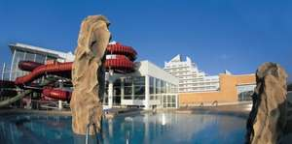 Hotel: Zimmer im 4* Hotel in Stralsund / Ostsee während der Sommerferien 55,- € pro Nacht (nur 28,- € p.P.)