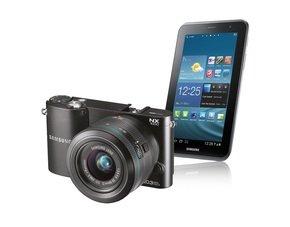 SAMSUNG NX 1100 + 20-50mm Objektiv + Galaxy Tab 3 7.0 8GB schwarz oder weiss (incl. Photoshop Lightroom 4) @ Saturn.de ab EUR 299,00