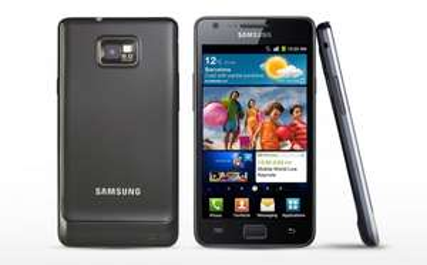 Samsung Galaxy S2 i9100 für 120,90€ inkl. Versand (B/W) B-Ware