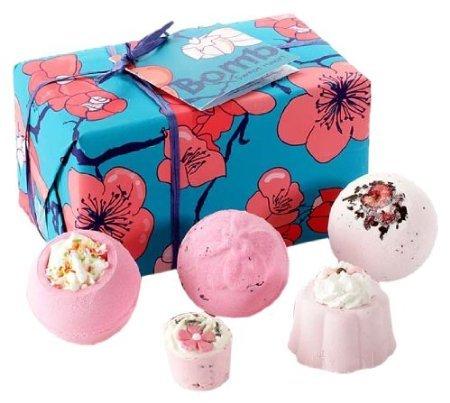Blitzangebot Amazon: Bomb Cosmetics Sweet Heart, Badekugeln, Geschenkset  für 4,59€ - Perfekt für Muttitag ;)