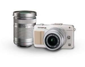 [AMAZON] Olympus E-PM2 16MP Compact System Camera with 14-42mm and 40-150mm Two Lens Kit (White) für 369,- Euro inkl. Versand