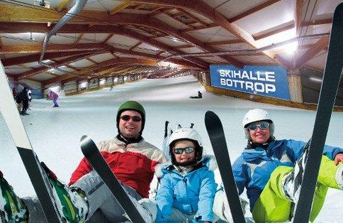 Skihalle Bottrop 16.95€ p.P. inkl. Tagesticket, Buffet, Getränke (Softdrinks/ Bier/Wein)