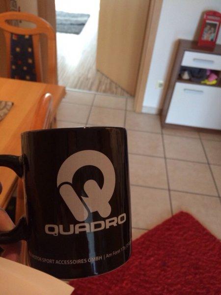 """Kostenlose Tasse von """"Quadro"""""""