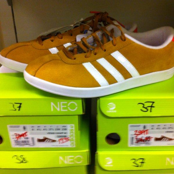 Adidas Neo Damen Sneaker VLNEO Court für 19,95€ im Galeria Kaufhof STGT [lokal]