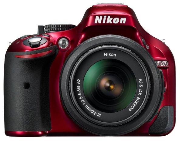 Nikon D5200 SLR-Digitalkamera (24,1 Megapixel, 7,6 cm (3 Zoll) TFT-Display, Full HD, HDMI) Kit inkl. AF-S DX 18-55 mm VR Objektiv rot für 519,00€