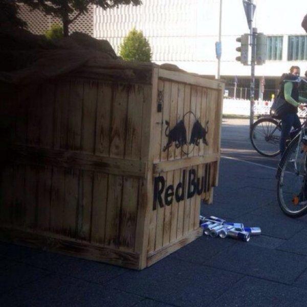 [lokal Kiel] kostenlos Red Bull an der Uni Kiel