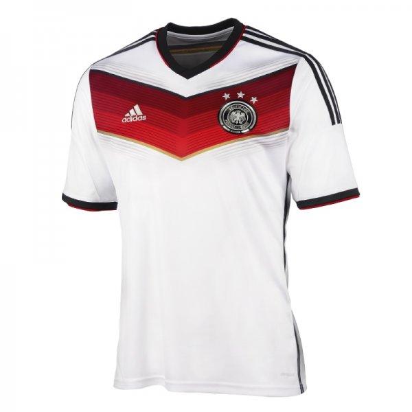 Aktuelles Deutschland-Trikot zur WM für 59,95€