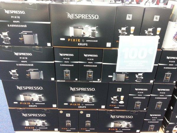 Nespresso Pixie Titan + Aeroccino 3 für unglaubliche € 129,- inkl. € 80 Gutschein