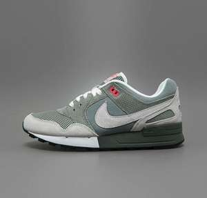 Nike AIR PEGASUS '89 in mica green für 79,90