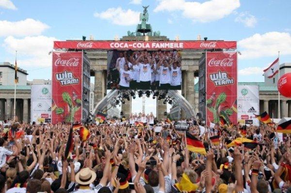 Zum Fußball WM Finale nach Berlin: 3 Tage im sehr guten und zentralen 4* InterCityHotel inkl. Anfahrt