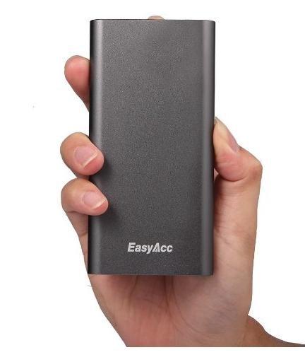 [Amazon] EasyAcc® 8200mAh Power Bank Aluminum Design 2.1A Ausgang Kompaktes für nur 18,99€