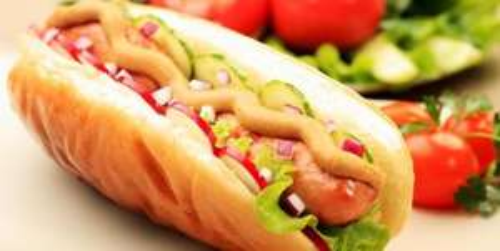 Lokal Stuttgart: 2x Hot-Dogs für 2,60€ statt 5,20€ / @Schwabendeal